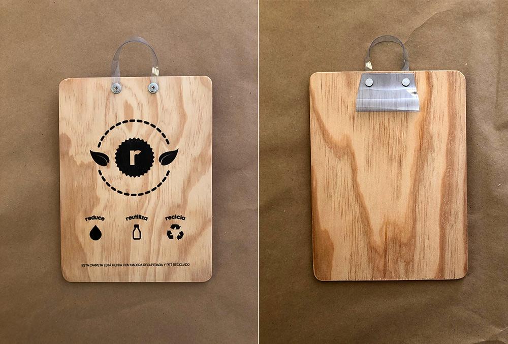 Upcycled Clipboard - Impresión directa sobre madera en negro